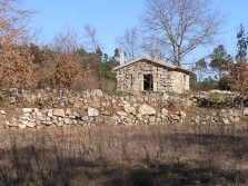 Cottage to finish with land near the Seia river, Ervedal, Oliveira do Hospital