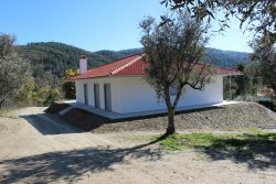 Detached 3 bedroom house, with olive grove and beautiful view, Cerdeira, Arganil