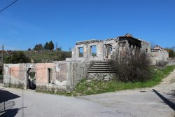 Quinta with ruins (house and two annexes) and 2 ha, Penedo, Tondela
