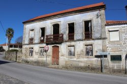 Old village house to renovate, Oliveira do Conde, Carregal do Sal