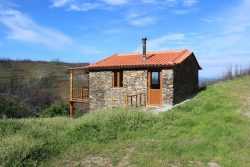 Isolated quinta with house and nice views, Vinhó, Arganil