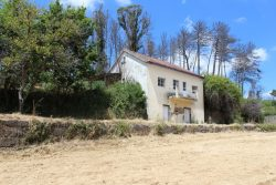 House to restore with land and outbuilding, Lagos da Beira, Oliveira do Hospital