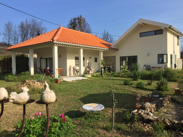 Well maintained quinta with house (2 bedrooms) and land of 1.5 ha, Vilela, Oliveira do Hospital