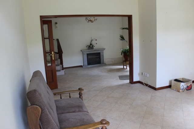 Detached granite house (3 bedrooms) with a rich (flower) garden, Pomares, Arganil