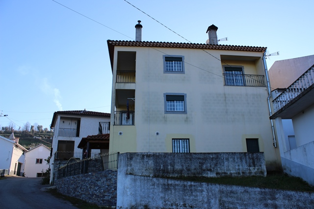 Semi-detached house (4 bedrooms) with beautiful views, Esculca, Côja
