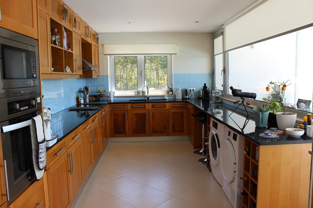 Modern 4-bedroom villa with swimming pool and spectacular views, Vinhó, Arganil
