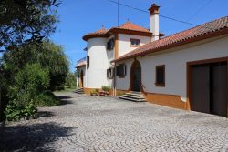 Authentic house with attractive garden, swimming pool and beautiful view, Bogalhas, Tábua